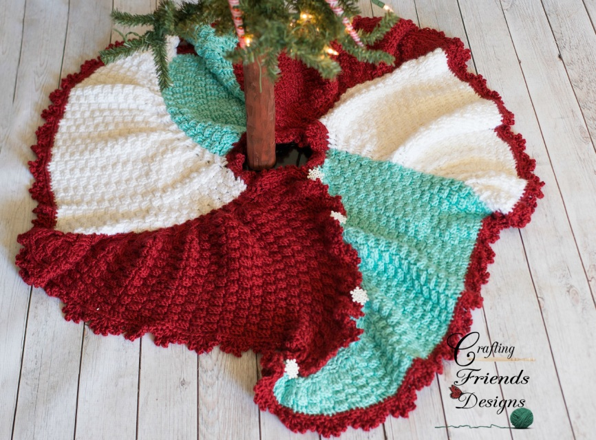 Trisquare Swirl Christmas Tree Skirt Crochet Pattern