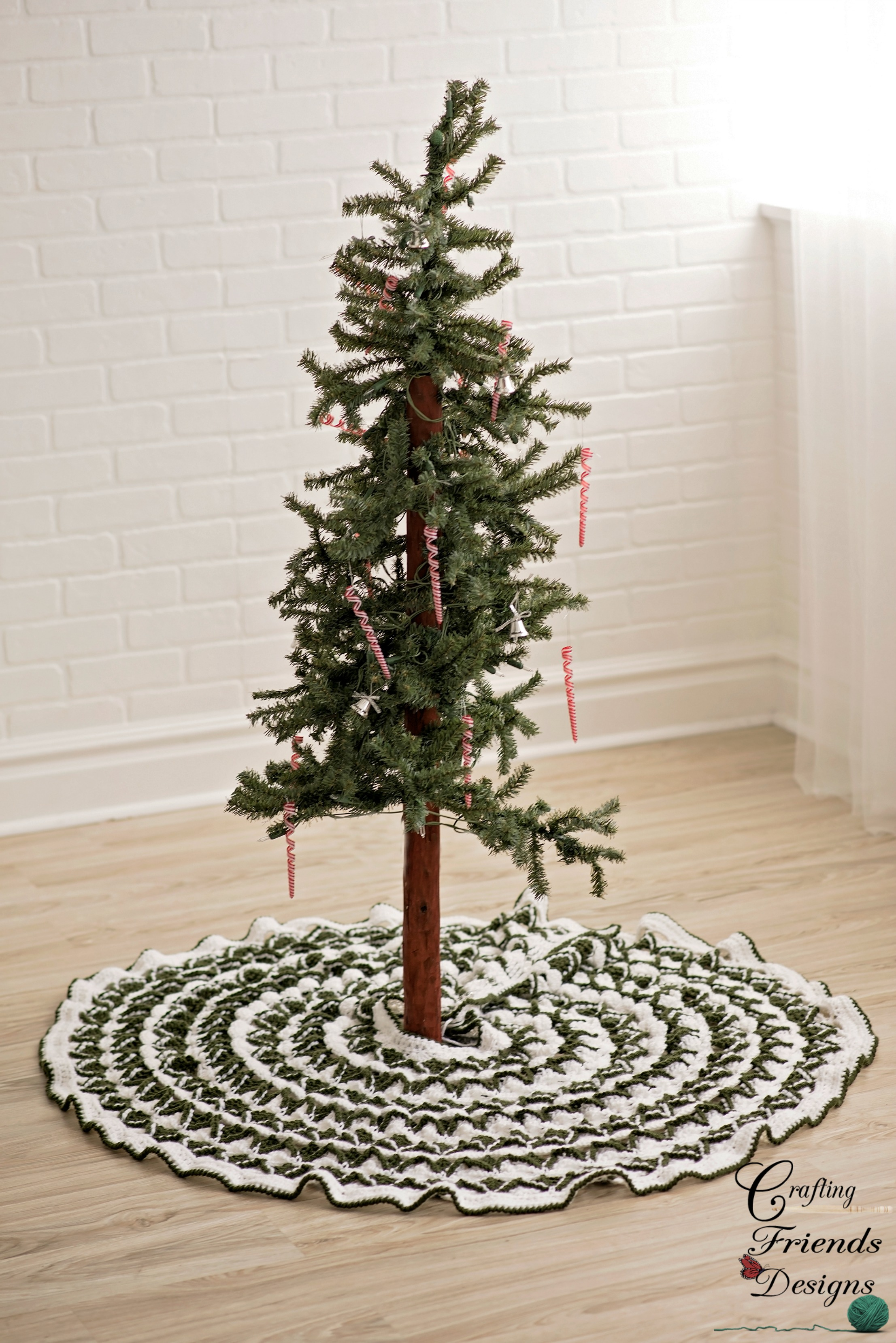 Crochet Xmas Tree Skirt : ... > Other Crochet Patterns > Christmas Pine Tree Skirt Crochet Pattern