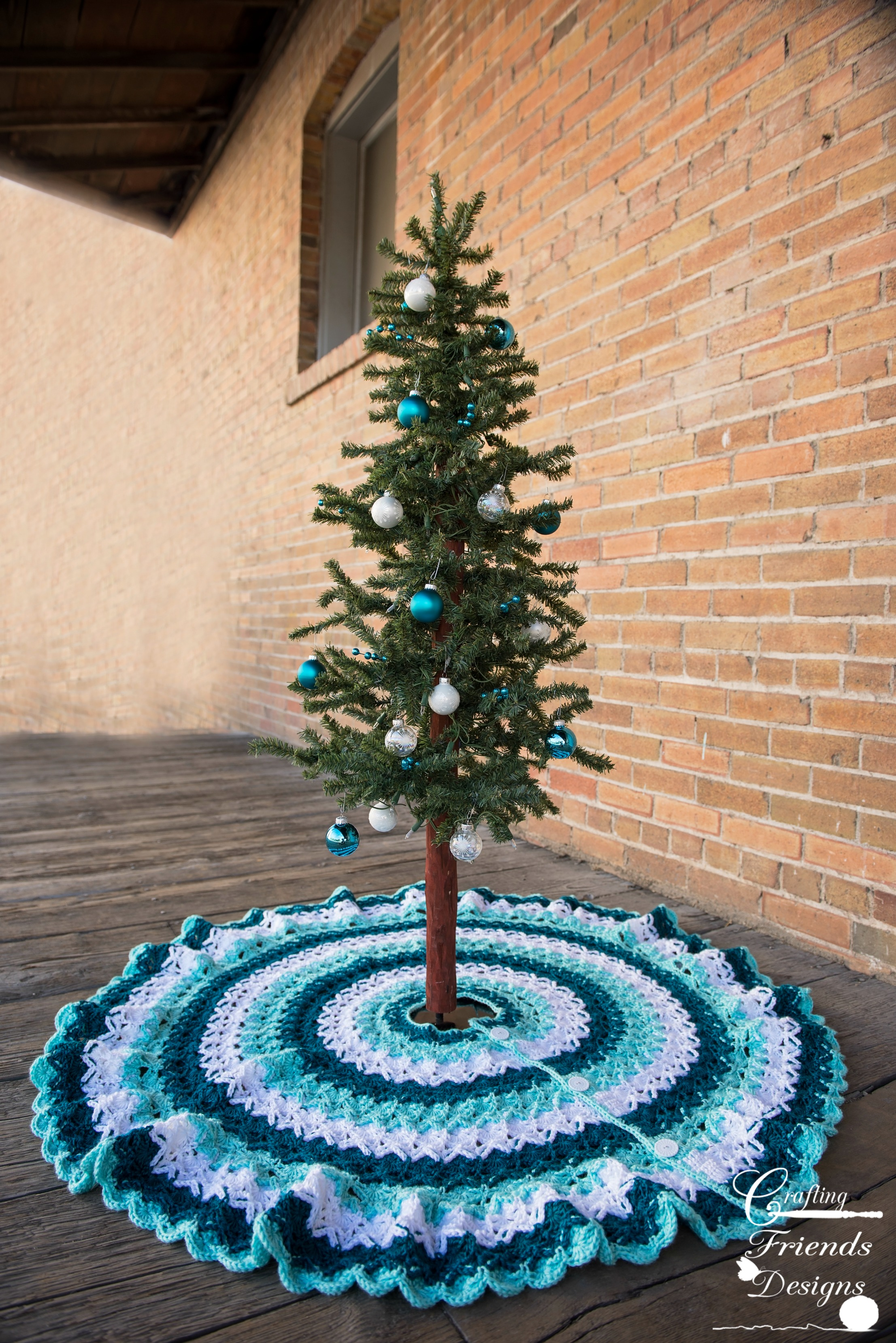 Beautifully Textured Christmas Tree Skirt Crochet Pattern